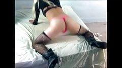 Big booty crossdresser twerking her ass