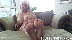 I am freshly pedicured and ready to be worshiped