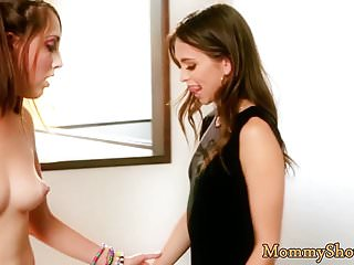 Petite stepdaughter fingers her stepmoms