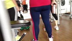 Malhando com leggins transparente
