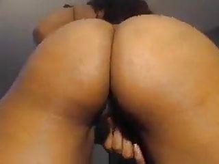 Sexy Redbone Pussy Play