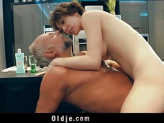 Pervert american beauty fucking old geezer in the kitchen