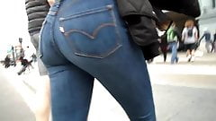 BootyCruise: Blue Jeans Babe 16