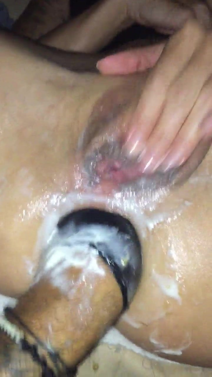 Young guy is being fucked by his GF 98%