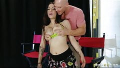 Brazzers - Sexy dance instructor Daisy Cruz fucks her boss