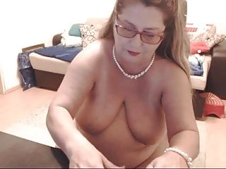 Live Sex Chat with SweetandSmartDiane