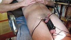Electro stretched balls cumshot