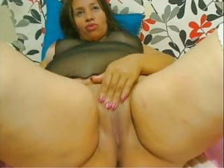 Webcam - 24 Colombian BBW teasing