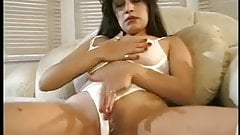 Sexy Vixen Masturbates And Gets Her Pussy Wet
