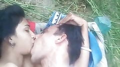 Teen Couple fuck in the jungle