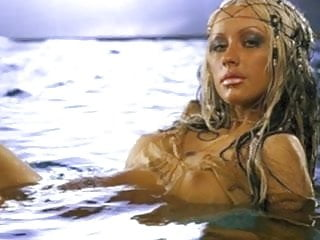 Christina aguilera boobs naked
