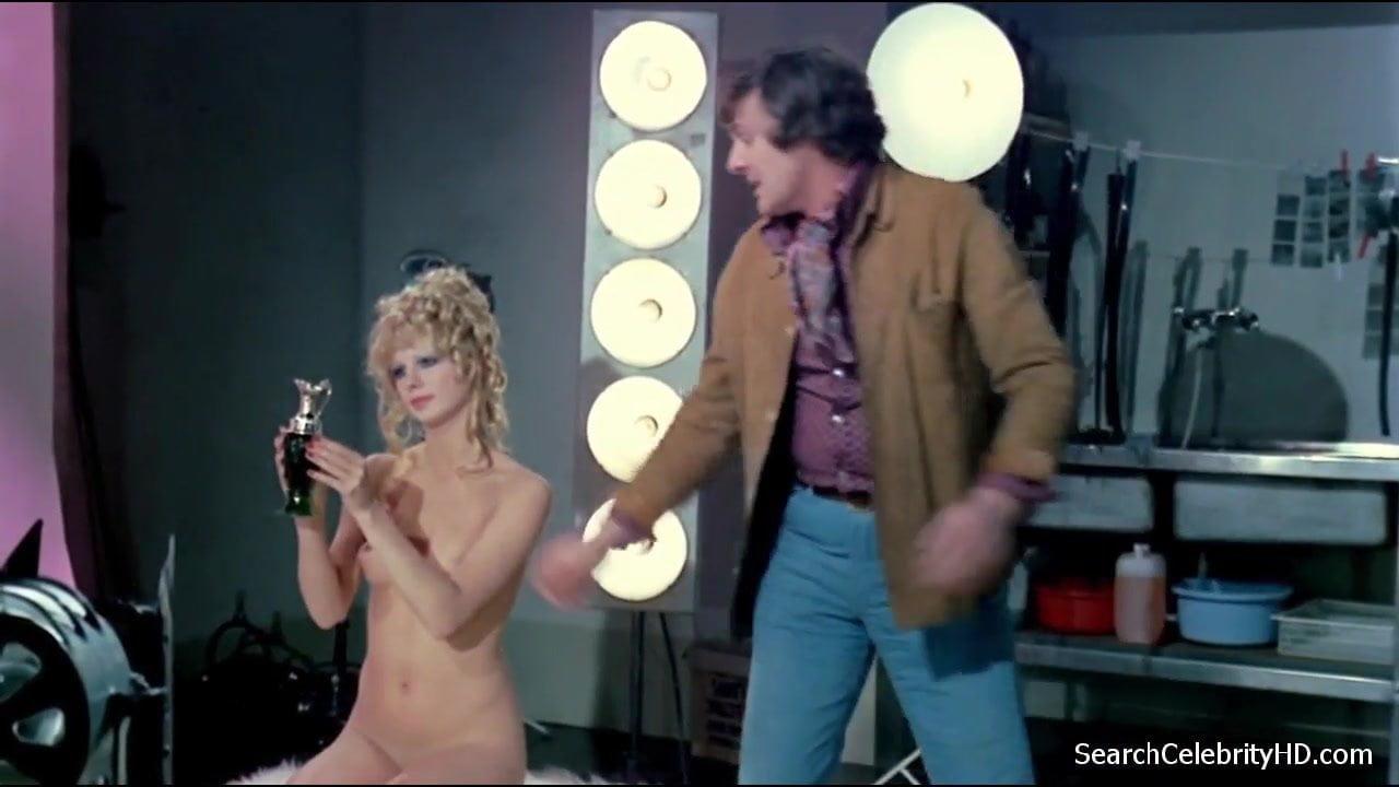 inserting penis into vagina video