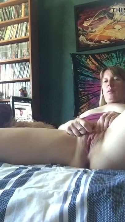 рыжая дрочит по вебке порно домашнее частное