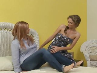 Prinzzess Seducing an older lesbian