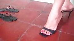 Beauytiful latina feet