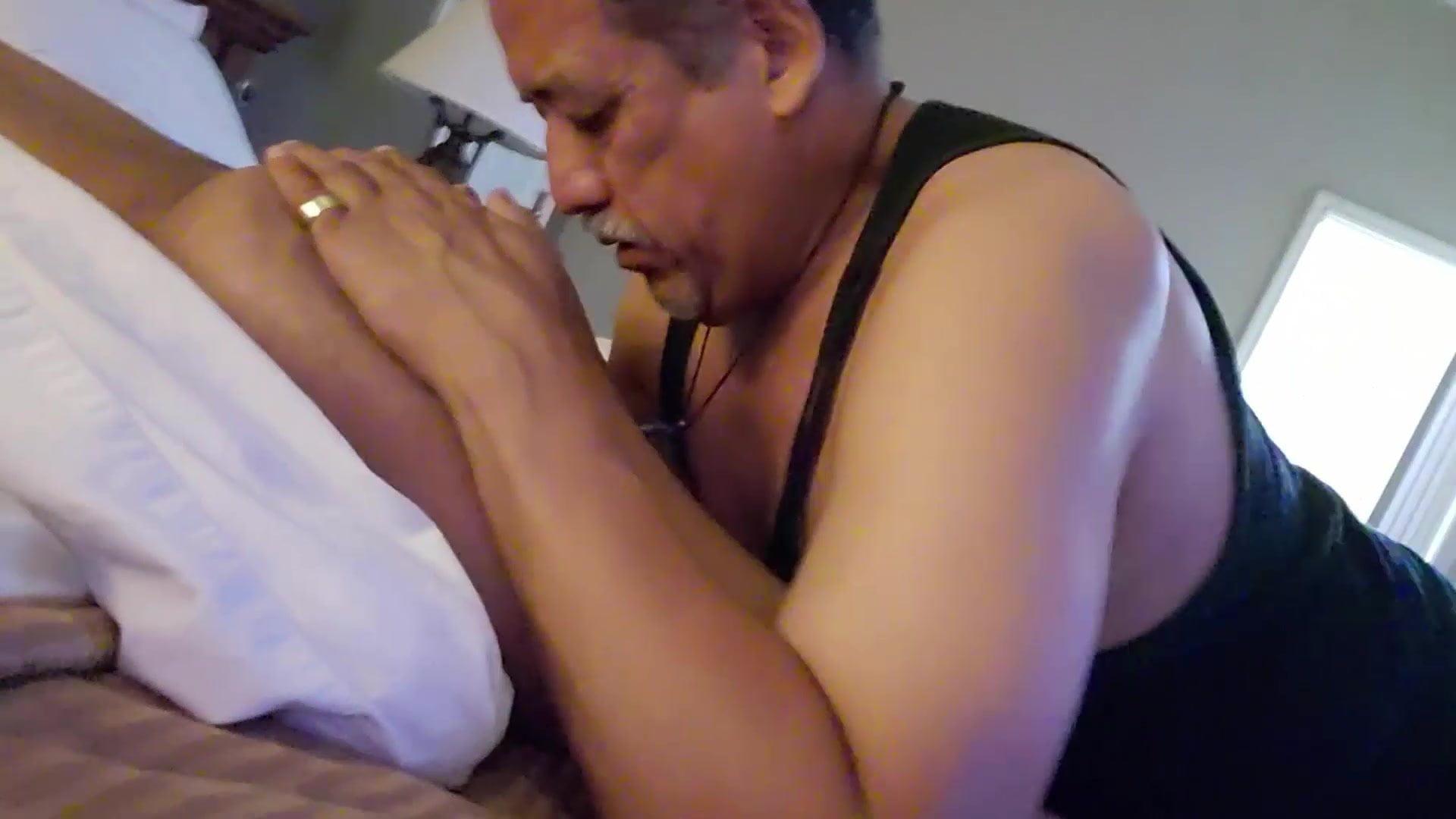 Grindr man 11 eats my ass half 4