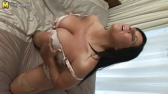 Hot MILF shows off gorgeous body and has dildo fun