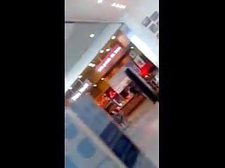 bona al centro commerciale
