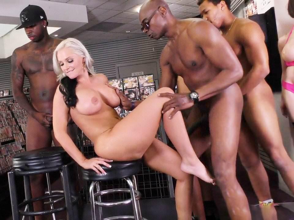 Bubble butt orgy porn