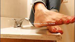 Foot Fetish - Diana Feet Part4 Video2