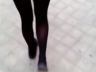 Girlfriend exhibitionist flash ass