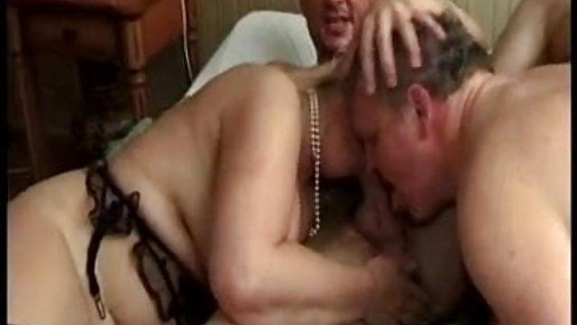 biseksualna orgia film prawdziwy seks grupowy