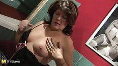 Chubby mature 55yo mom masturbate