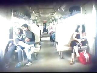 Download video bokep indonesian- ngintip jilbaber ciuman dan grepe dalam kereta Mp4 terbaru