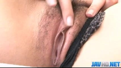 Risa Murakami makes herself happy with a small vibrator
