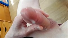 AFTER SHAVING,STROKE MY COCK AND CUMMING
