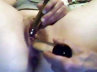 She masturbates and is masturbated..two vibrators