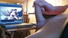 Beim Porno schauen abgespritzt....