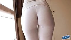 Gorgeous Latina Body! Wetting Her White Yoga Pants! Cameltoe