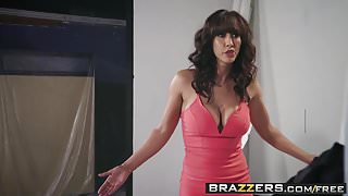 Brazzers - Pornstars Like it Big - The Headshot scene starri