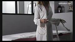 Jennifer lorentz masaje muy caliente para una nena virgen