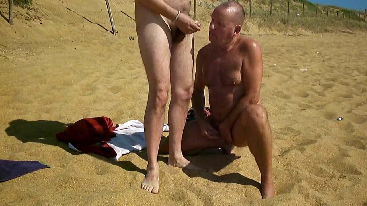 Дроч на пляже жестко, фото толстых ягодиц