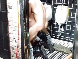 hard fuck at sex club toilet