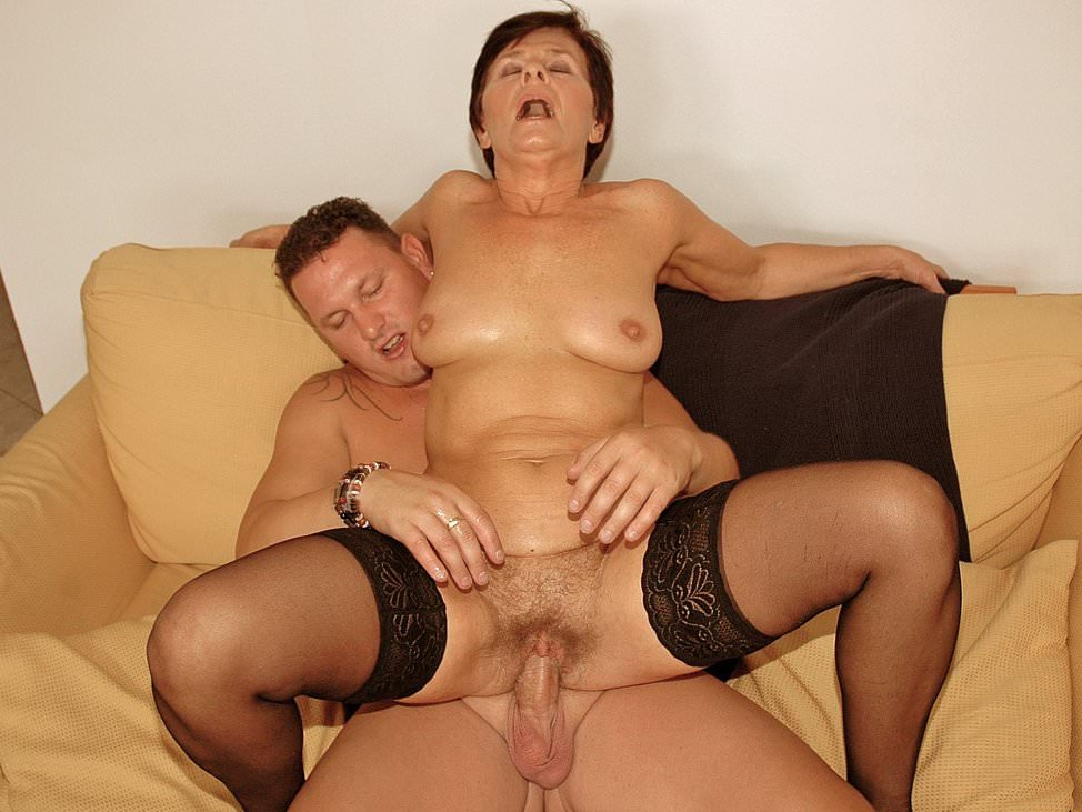 Lustygrandmas BBW GILF Cleans His Office and His Cock es