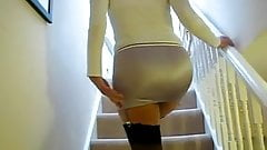 girdles up stairs