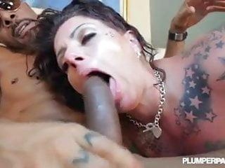 Tattooed bbw beauty erika xstacy loves bbc