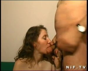 French amateurs doing anal sex in threesome with Papy Voyeur