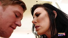 PervCity MILF Reagan Foxx creampied by younger guy Oliver