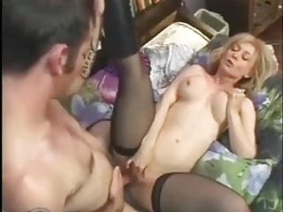 Nina Hartley Gets A Pearl Necklace - GREAT SCENE -