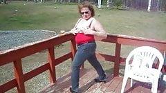 wife kattee cums outdoors