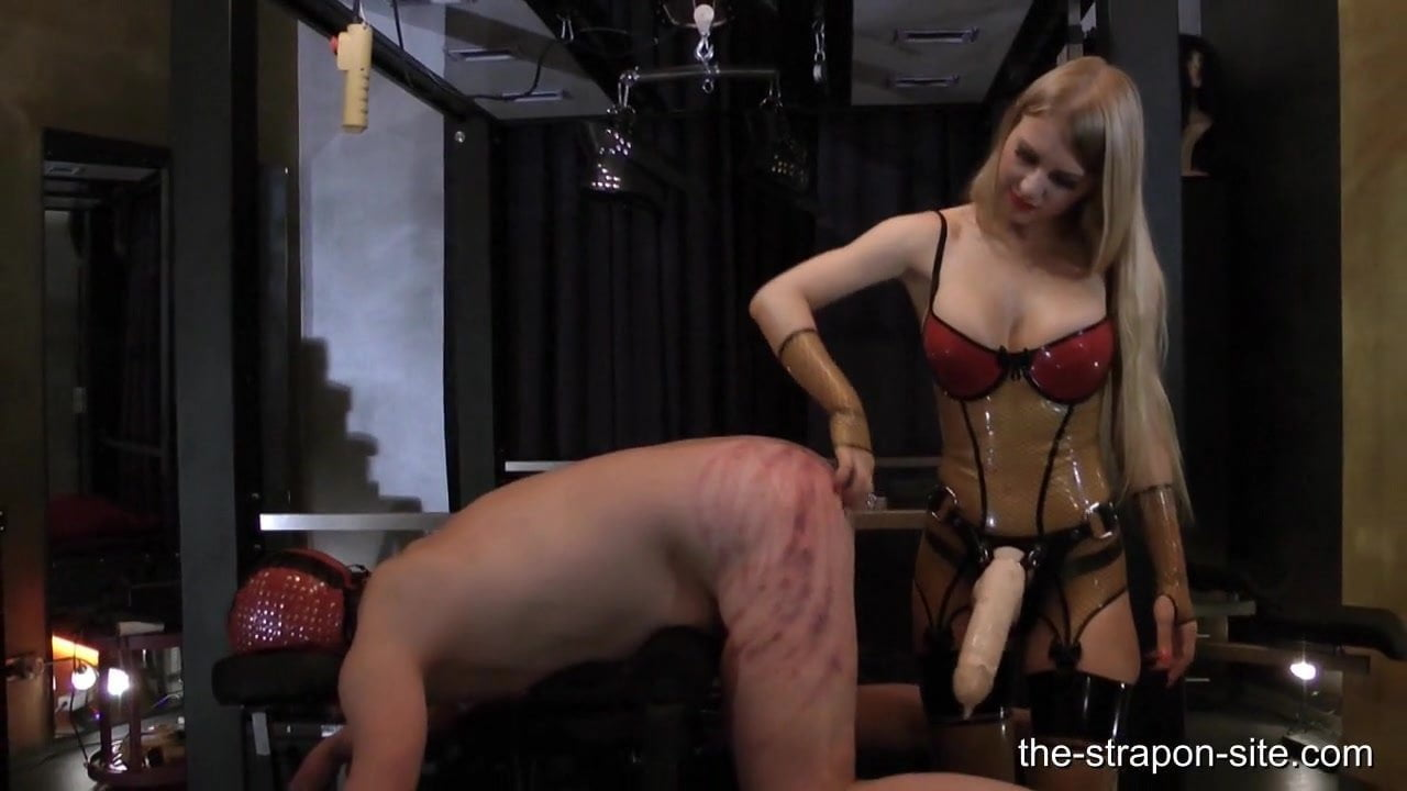 French mmf threesome walks in
