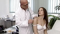 Leonie Saint - Young bitches fuck gladly