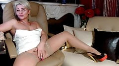 Sexy mature masturbate