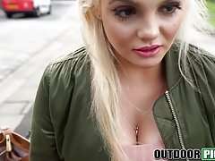 Amazingly hot blonde Katy Jayne gets seduced outdoors