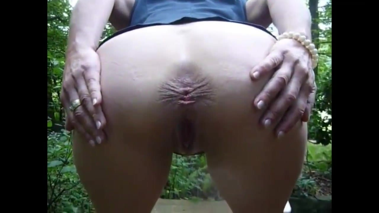 Amateur ass spread compilation