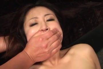 谷村早苗 たくさんのチンコにイマラチオで口内発射されて強制ごっくんさせられバックで生挿入されるお姉さん